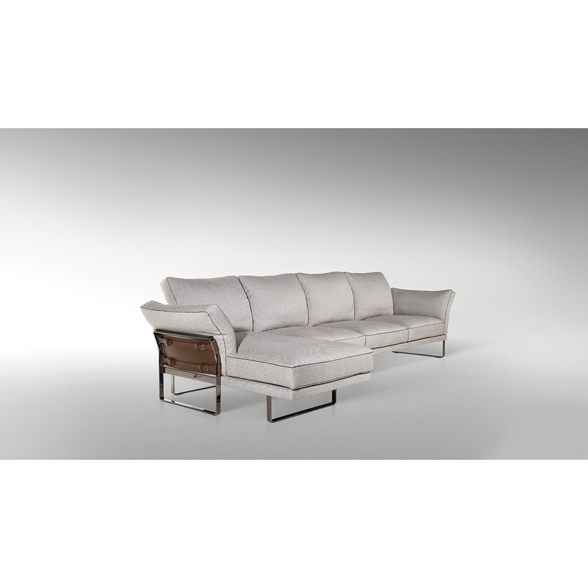 Диван, стиль хай-тек, дизайн Fendi Casa, модель Metropolitan Sectional Sofa